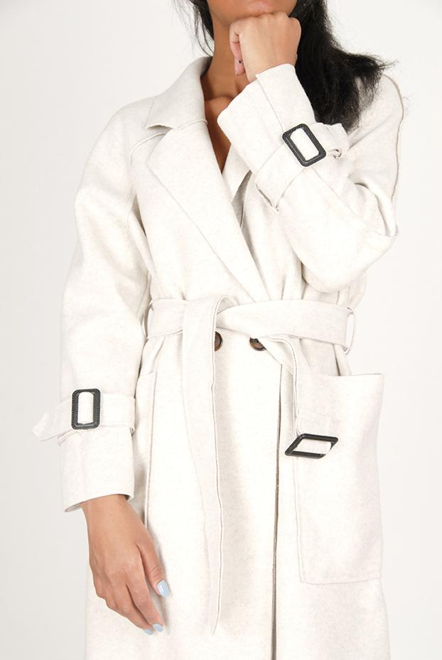NUDE WINTER COAT WITH BUCKLE DETAIL