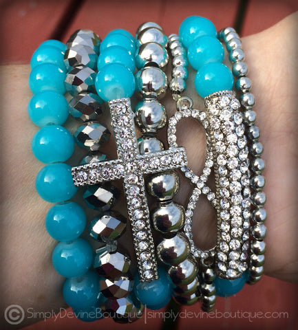 FAITHFULLY YOURS BRACELET SET IN AQUA