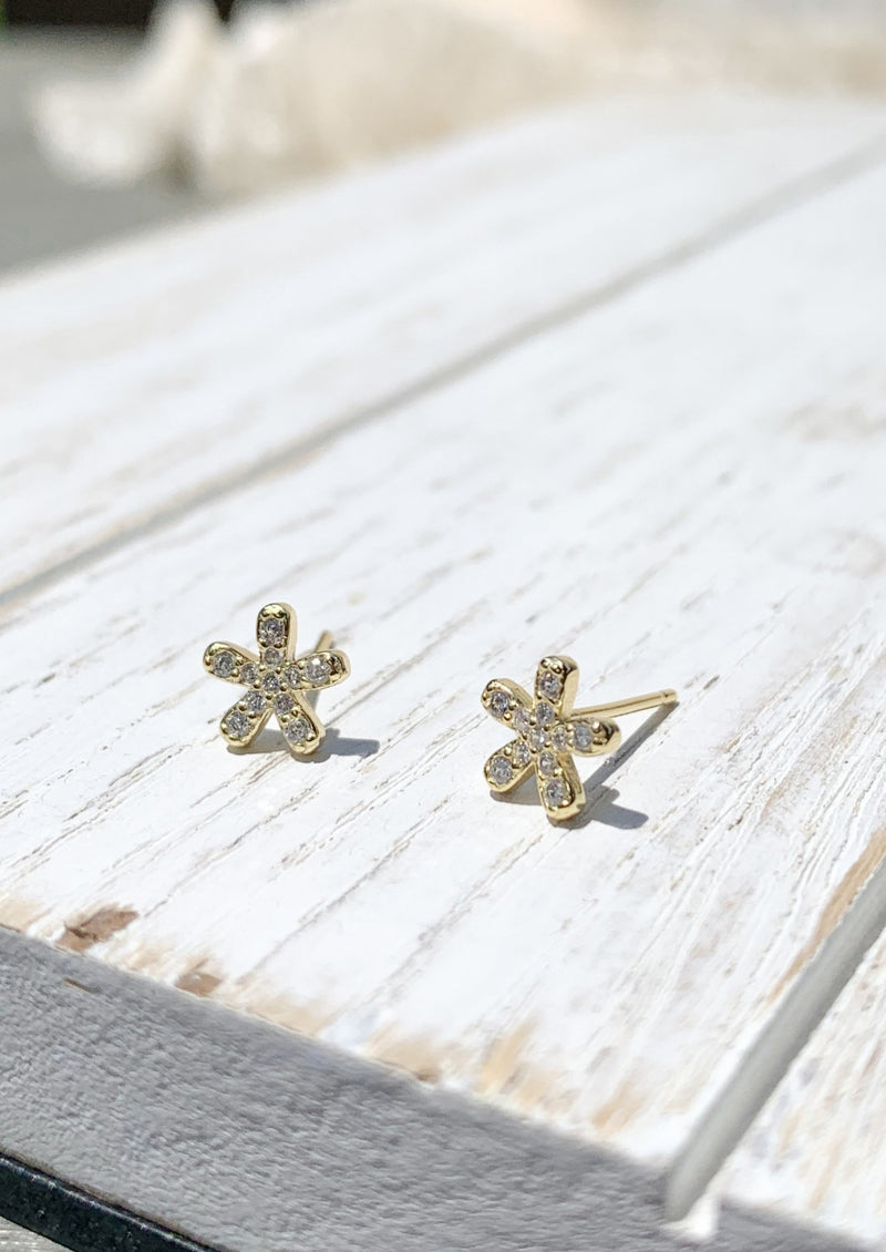 14k gold plated Tiny Flower Studs Earrings / Bridal Party Gifts