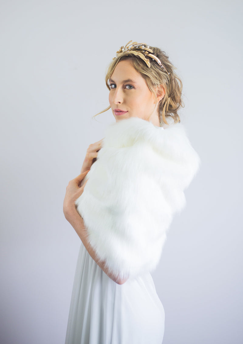 Ivory / White Fur Shawl (Butterfly Ivy03)