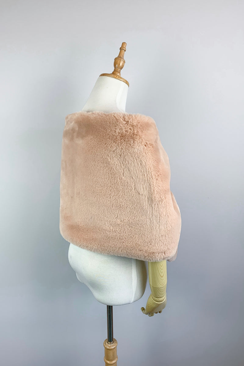 Blush Faux Fur Bridal Cape (Audrey Blu05)