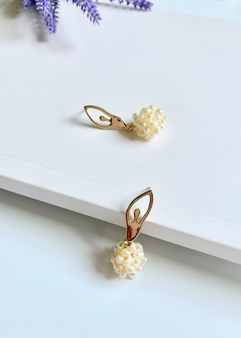 Ballerina Freshwater Pearl Earrings / 14K Gold Filled