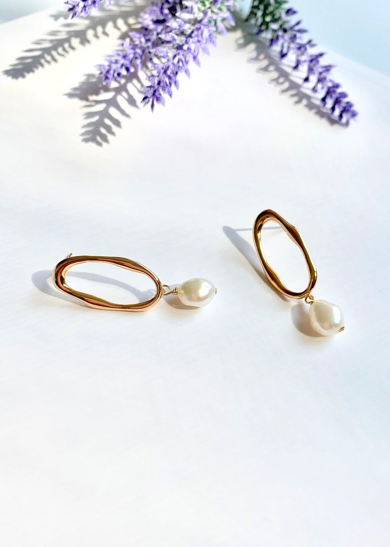 14K Gold Filled / Freshwater Pearl Baroque Drop Earrings / Bridal Party Gifts