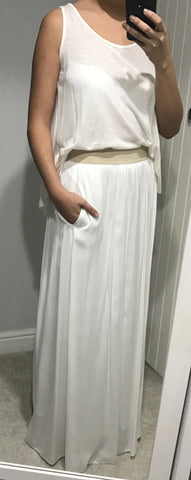 White Skirt With Pockets And Beige Waist by MOUTAKI - SWALK Fashion
