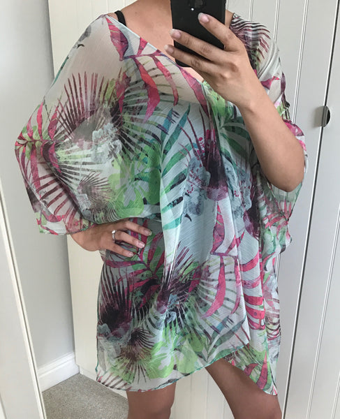 Tropical Patterned Oversized Kimono by LAVAND - SWALK Fashion