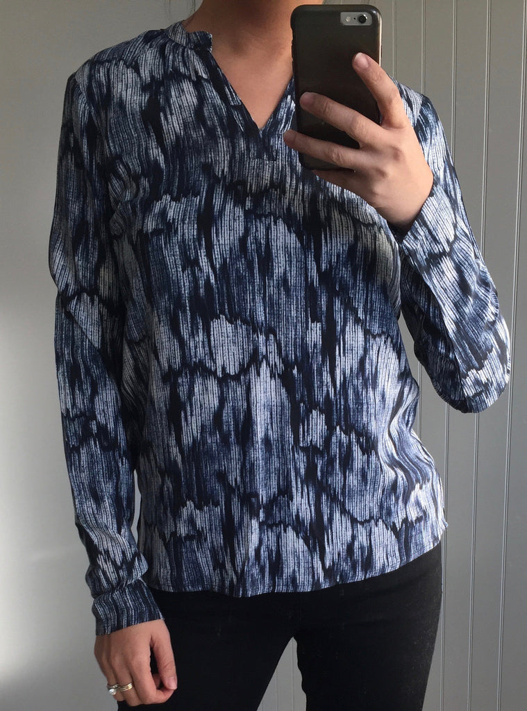 Blue Patterned Long Sleeve V-Neck Top by ICHI - SWALK Fashion
