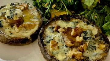 MUSHROOMS WITH BLUE CHEESE AND WALNUTS