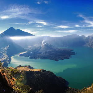 Trek Mount Rinjani in Indonesia