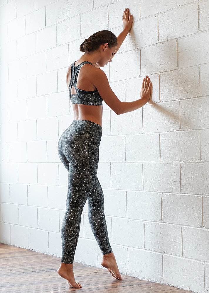 8 THINGS TO LOOK FOR IN THE PERFECT PAIR OF LEGGINGS
