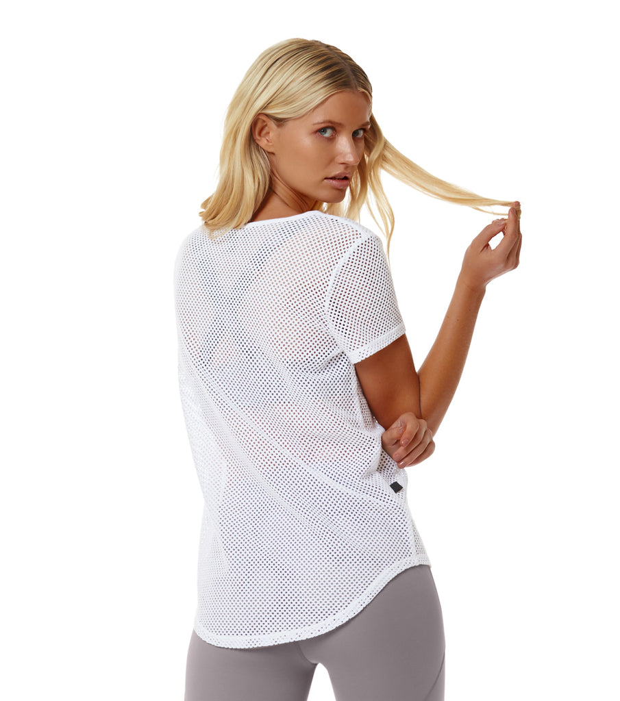 L'urv WHTE BRING IT MESH TEE back view