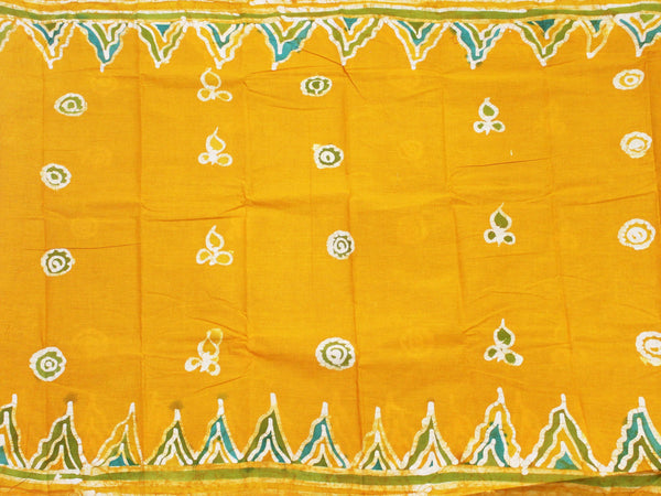Batik cotton saree with a beautiful matching kalamkari blouse material (34126A)
