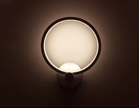 Wall light - Simplistic 'O' Ring