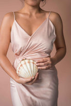 Load image into Gallery viewer, Ximena Clam Shell Clutch