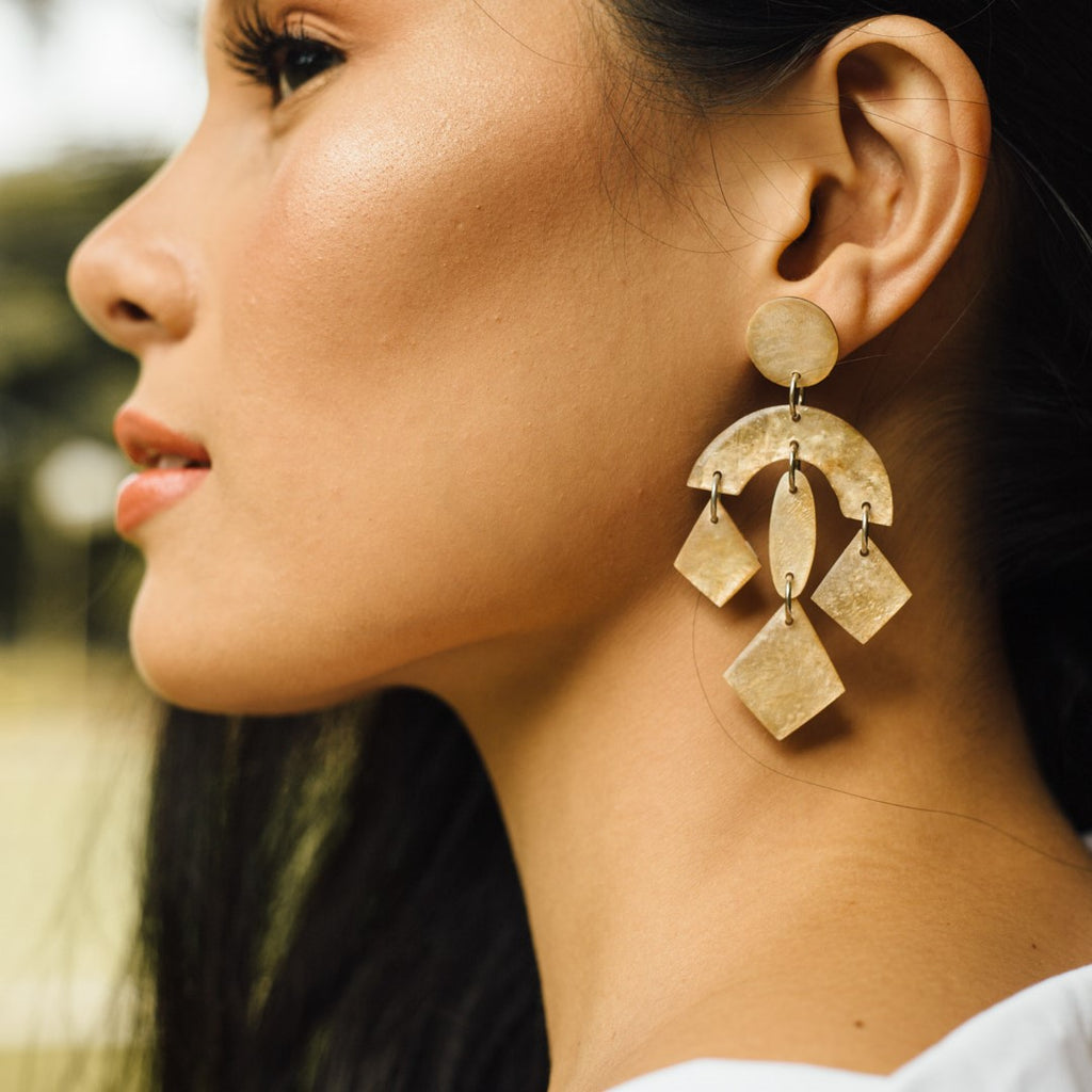 Portia Capiz Earrings in Smoked - Island Girl