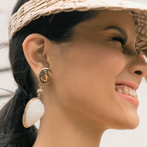 Dalia Clamshell Earrings in Natural - Island Girl