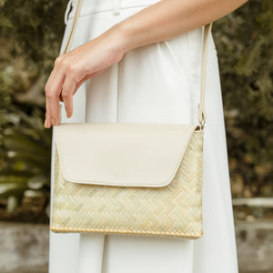 The Bamboo Clutch in Natural - Island Girl