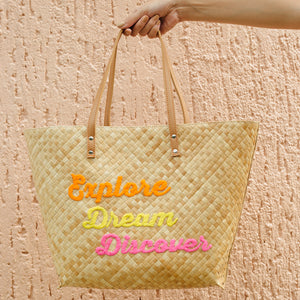 EXPLORE DREAM DISCOVER Tote - Island Girl