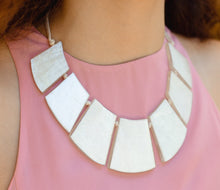 Load image into Gallery viewer, CLEOPATRA Shell Necklace - Island Girl