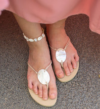 Load image into Gallery viewer, VENUS Rubber Sandals - Island Girl