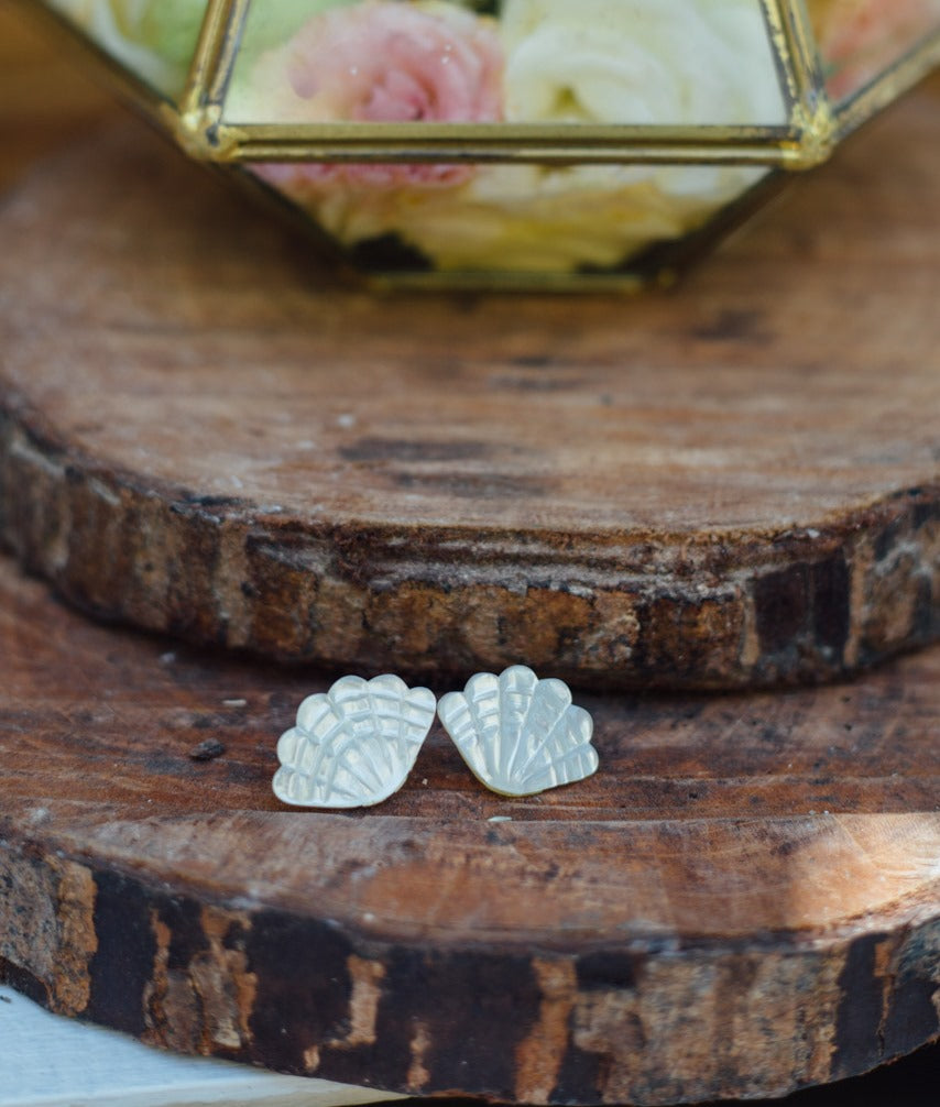 Ariel Mother of Pearl Clamshell earrings - Island Girl