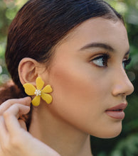 Load image into Gallery viewer, DELILAH Flower Earrings - Island Girl