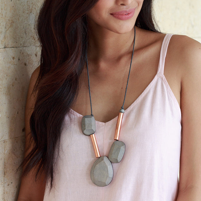 Ora Necklace in GRAY