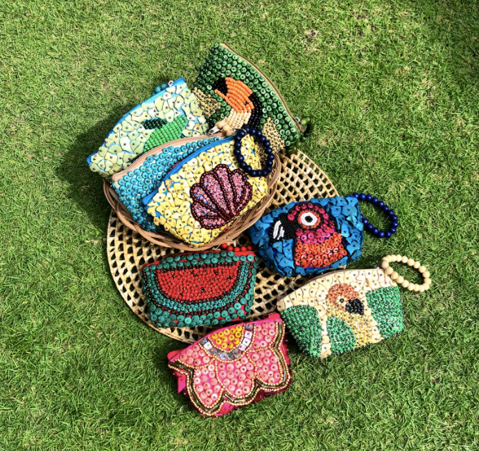 Toucan Beaded Wallet- Mask Kit