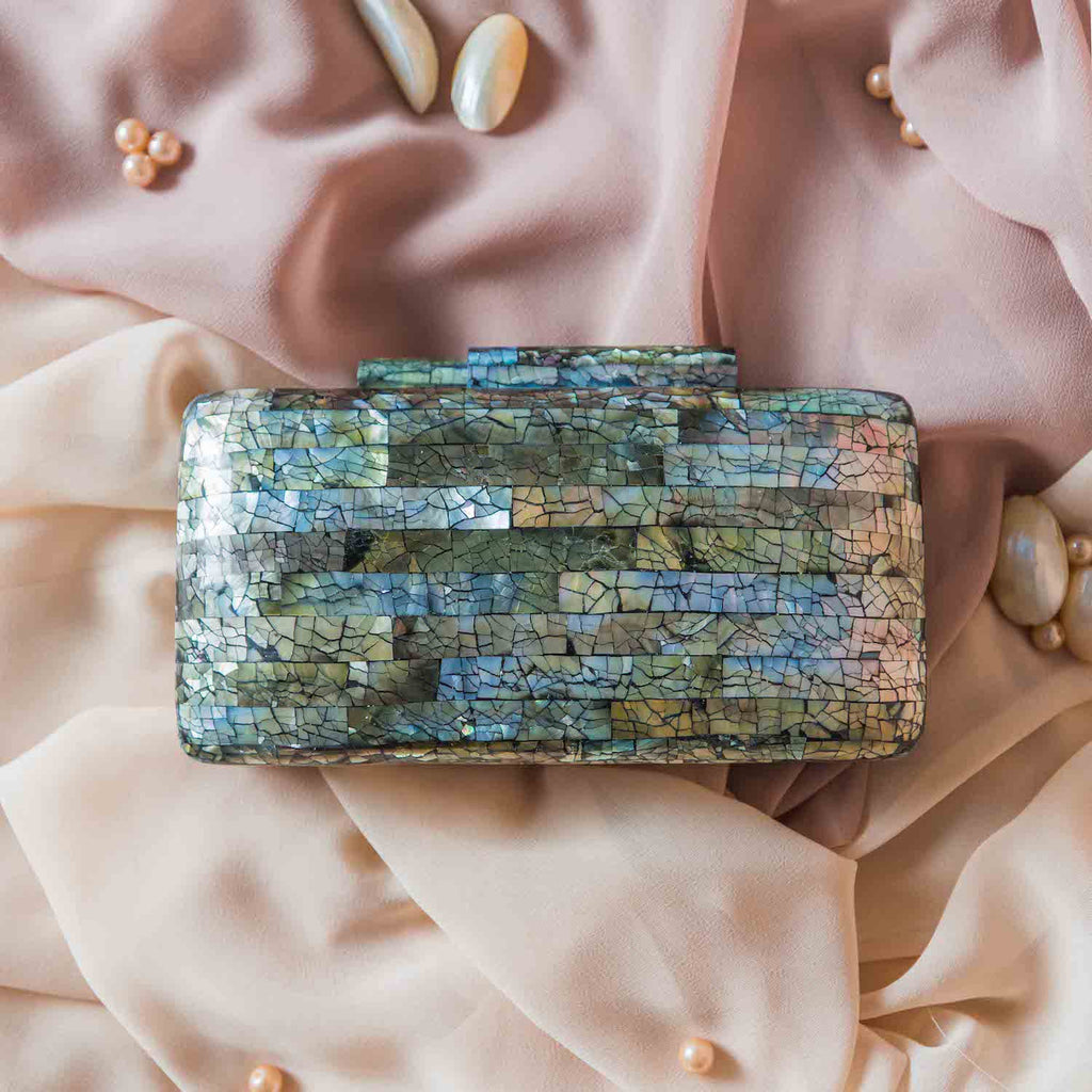 Regina Shell Clutch - Black Lip