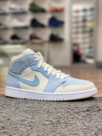 Air Jordan 1 Mid SE Light Blue White