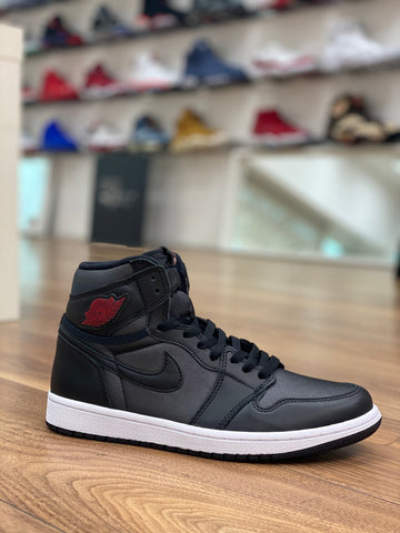 Air Jordan 1 Retro High Black Satin