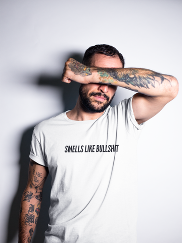 Smells Like Bullshit / Unisex T-shirt