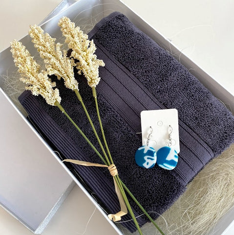 Grey/blue small personalised gift hamper