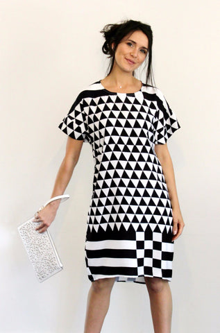 Loose Hi-Low Dress with Arm Band Monochrome