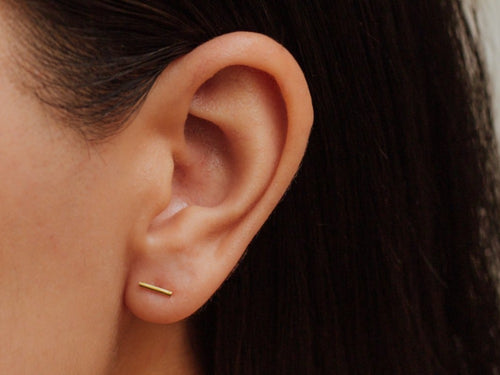 Bar Stud Earrings in 14K Gold