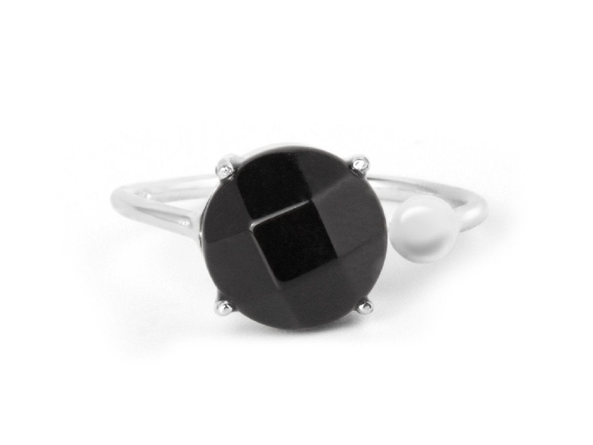 Globe Black Onyx Sterling Silver Ring