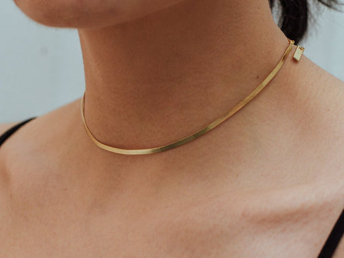 Herringbone Choker Necklace in 14K Gold