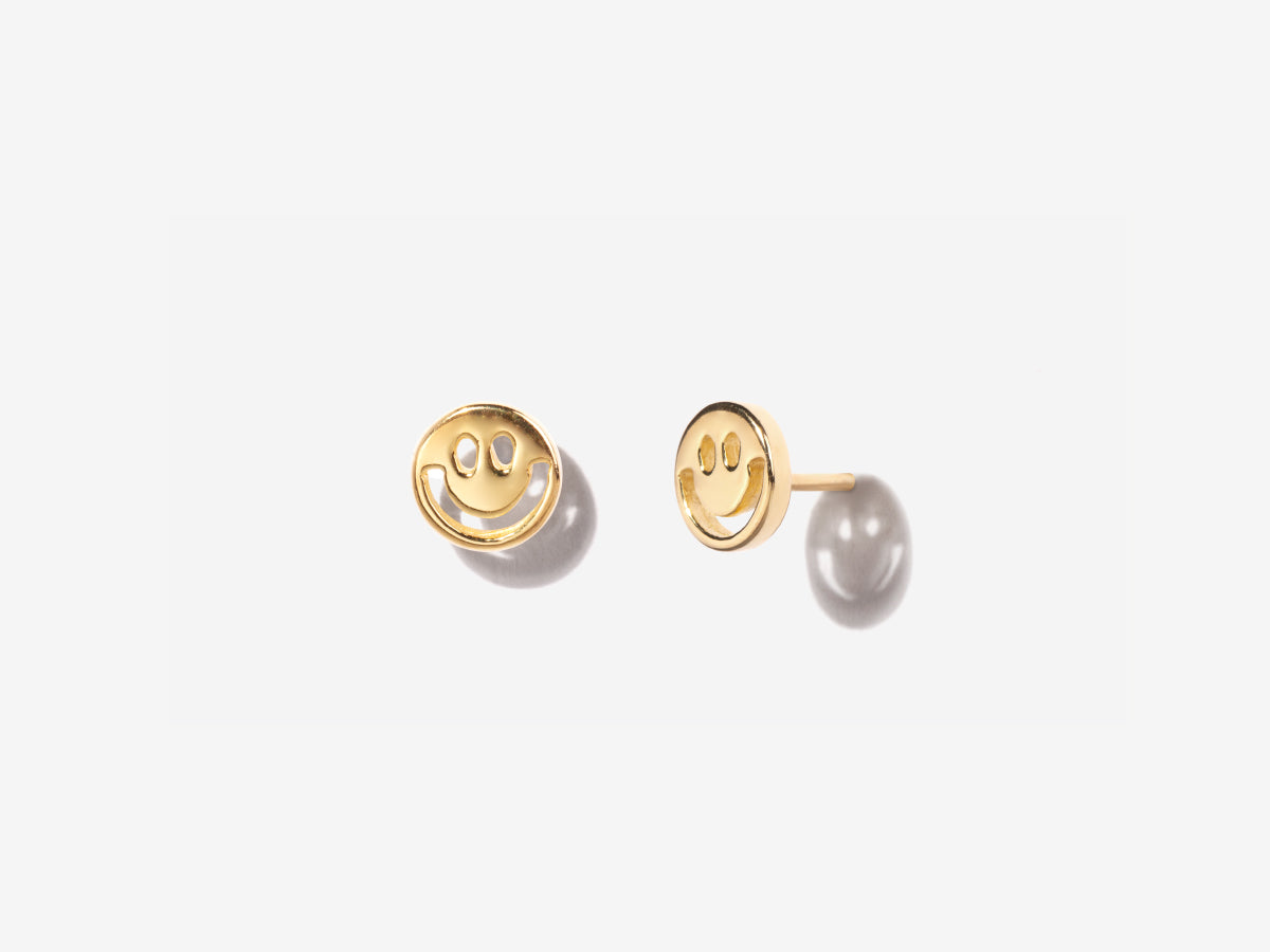 Smiley Face Stud Earrings in 14K Gold