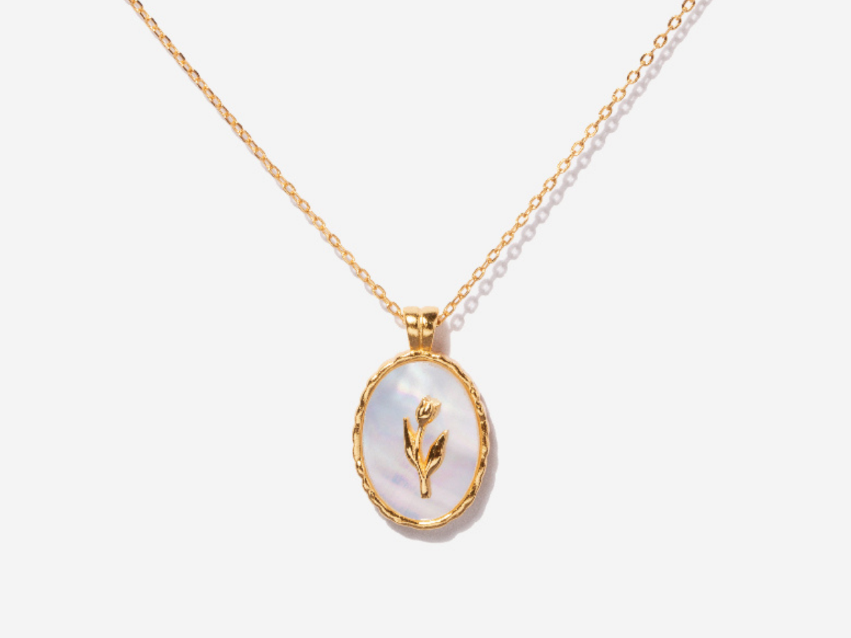 Tulip Flower Mother Of Pearl Necklace in 14K Gold