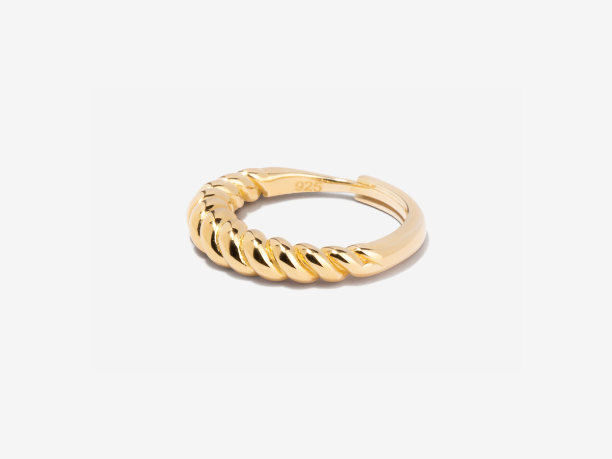 Twisted Tidal Ring in 14K Gold