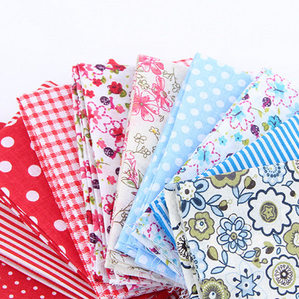 "30-Piece Mixed Color Patchwork Cotton Fabric (3.9"" x 4.7""/ 10 x 12cm)"