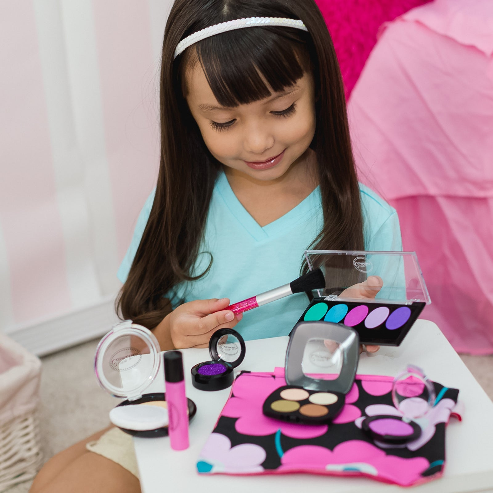 Pretend Makeup Little Makeup Artist Set™