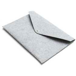 Felt laptop sleeve, Light grey - Wang's Wonderful World