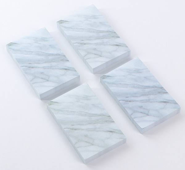 Post it notes, marble