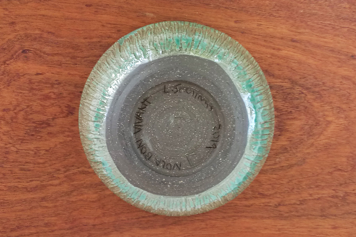 bowl-carved-green-bottom