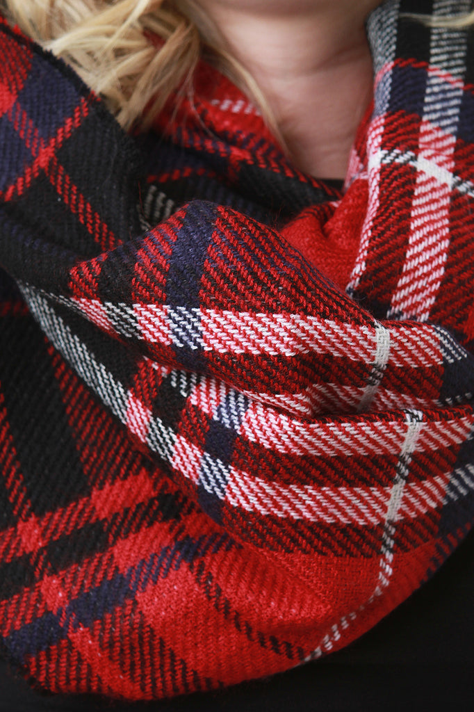 Checker Thread Infinity Scarf