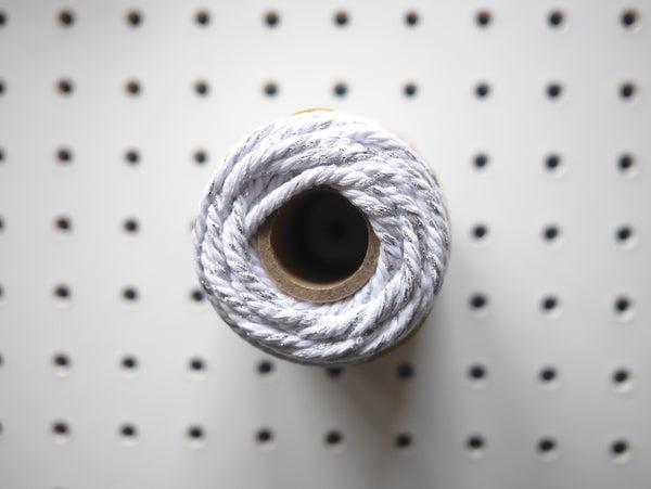 CHUNKY BAKER'S TWINE | WHITE SILVER SPARKLE - HUEBOW