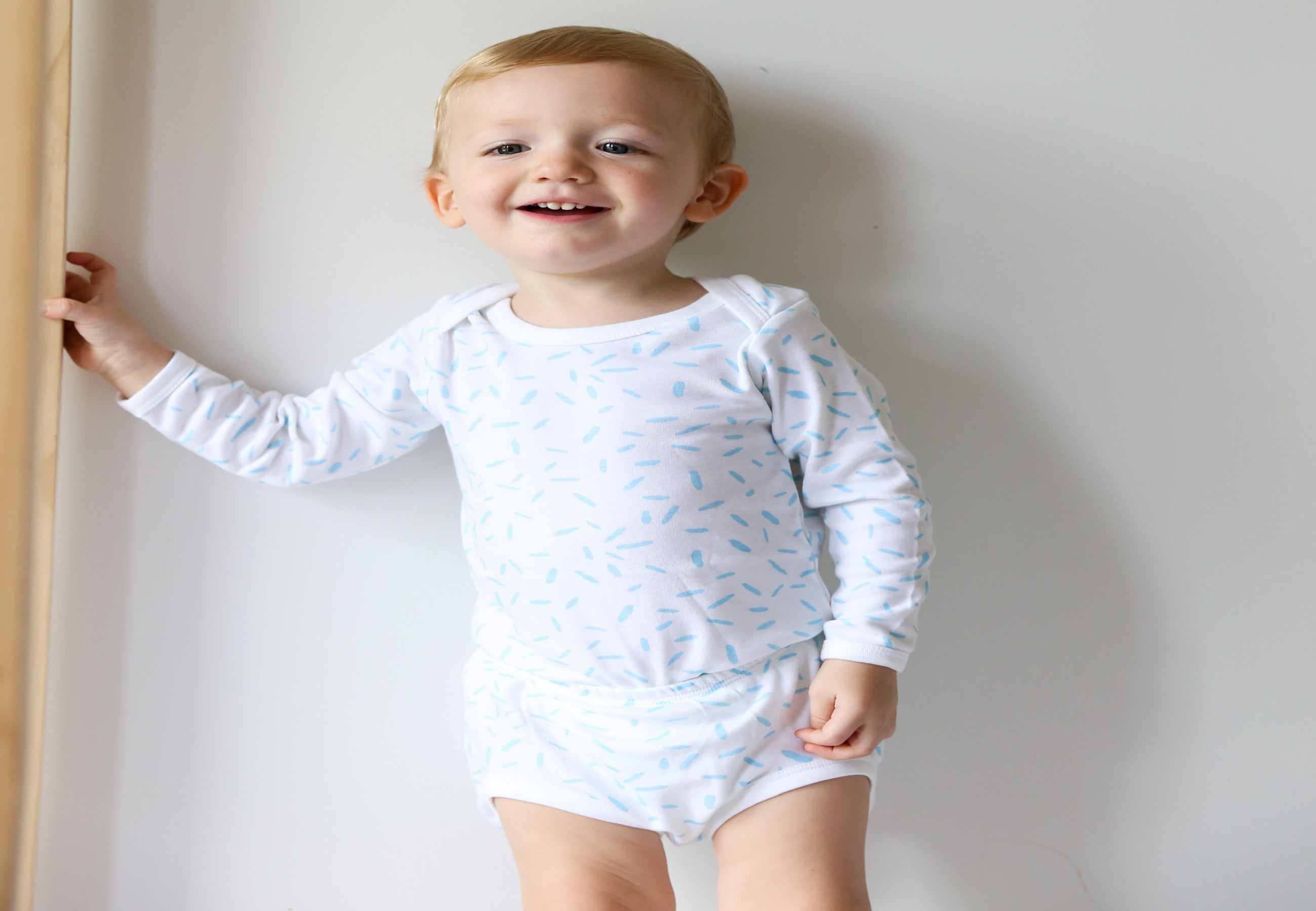 Organic Cotton Long Sleeve Bodysuit - RIZ Sky