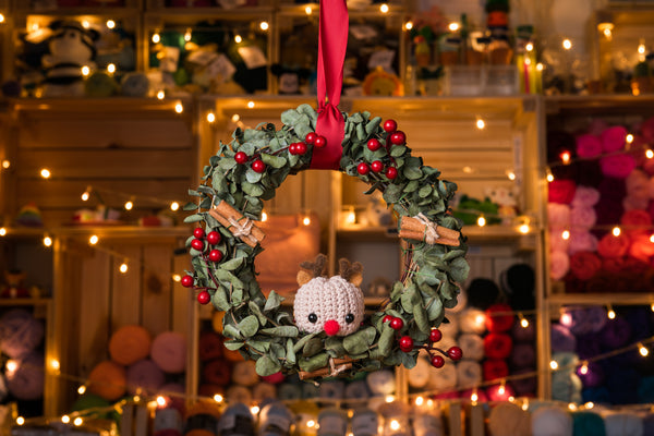 Tiny Rabbit Hole - Christmas Wreath with Crocheted/Felted Reindeer Amigurumi Workshop