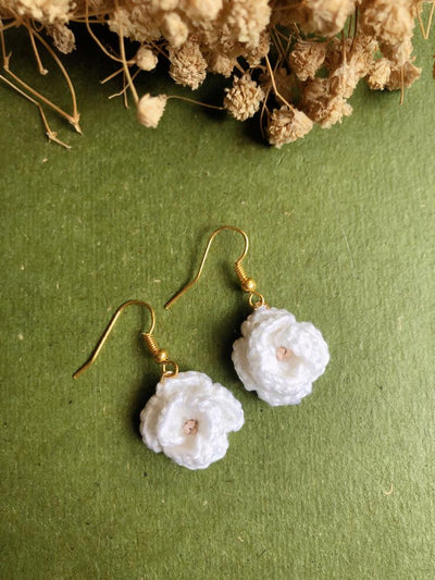 Tiny Rabbit Hole - crocheted white rose earrings with white pearl