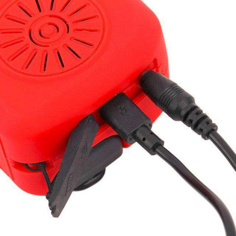 Solar/Hand Crank Self-Powered Portable Emergency Station - Radio/LED Flashlight/USB Charger - The Gadget Junkie